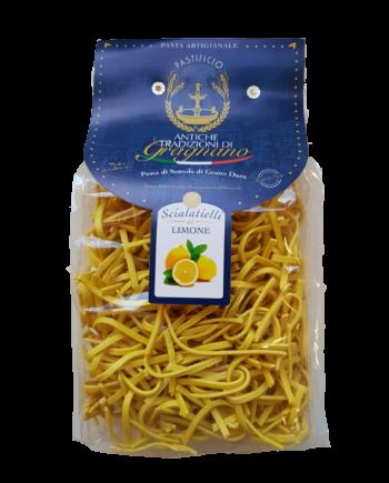 Scialatielli Limone, pasta di Gragnano di semola di grano duro.