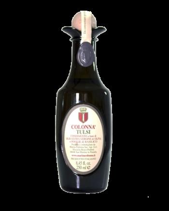 Condimento a base di foglie di basilico biologico coltivato in azienda, molite insieme alle olive.